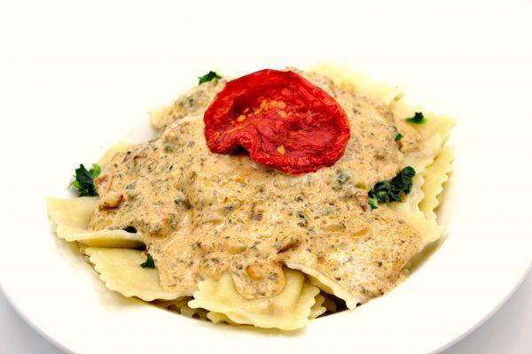 Raviolis au saumon et sauce crème et Pesto de Dulse