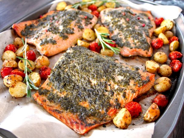 Saumon et légumes aux deux Pesto à la plaque
