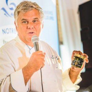 Le Chef Jean-Luc Boulay avec notre Pesto aux algues Kombu