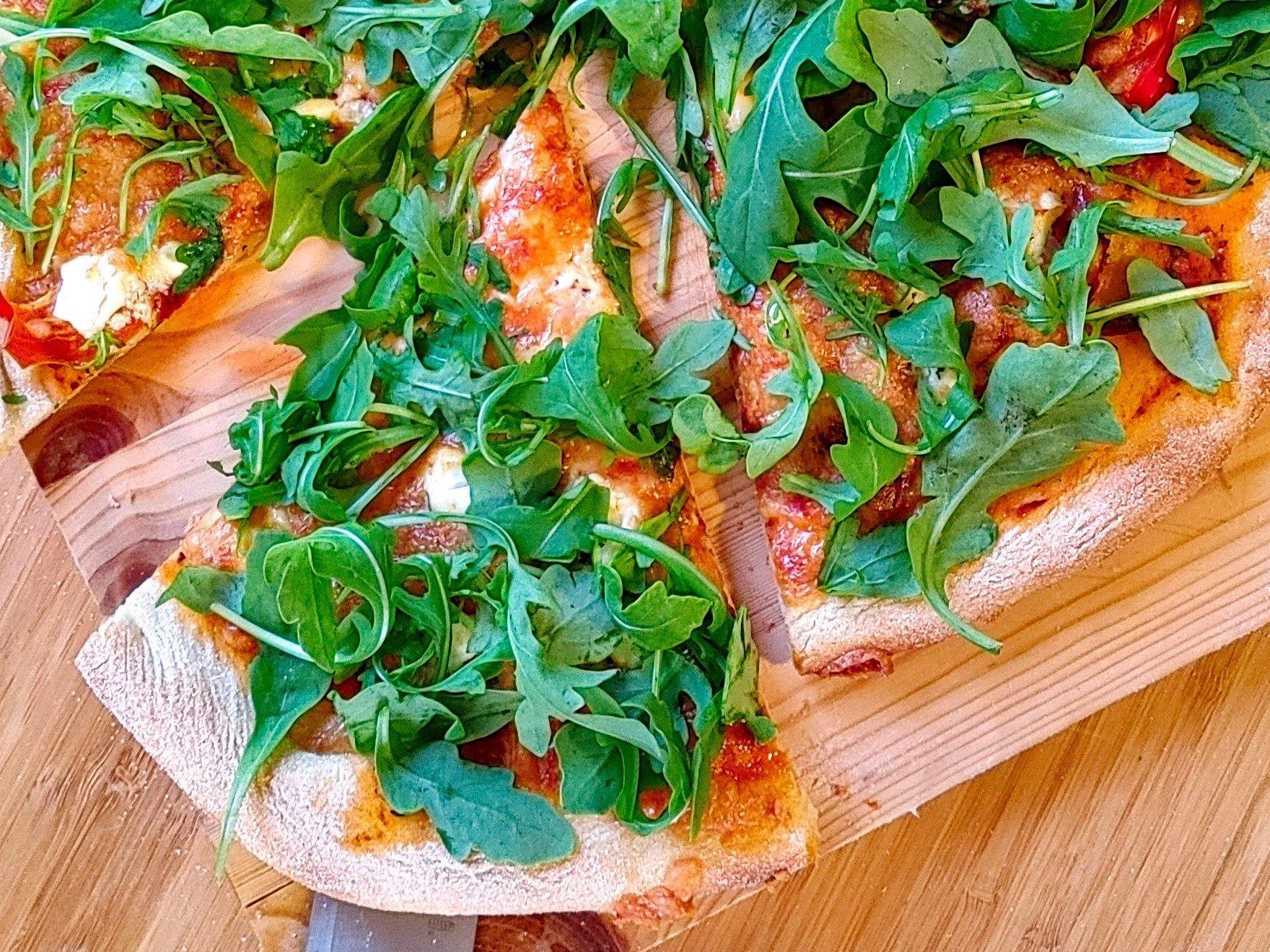Pizza au Prosciutto et Pesto de Dulse